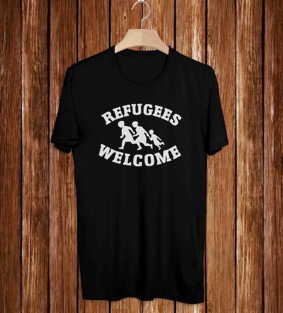 Refugees Welcome  Youth /& Womens Sweatshirt