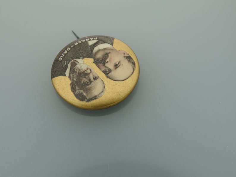 1904 President Alton ParkerDavis political campaign jugate pinback button