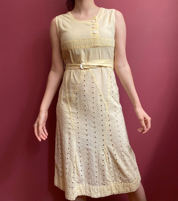 Early 1930s Dress / Pastel Yellow / Belted Deco Da