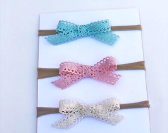Vintage lace mini bows