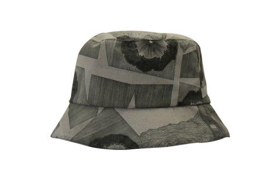 Inside Out - chapeau de pluie pliable et réversible - black/vert de gris - La Tribu des Oiseaux X Frédéric Khodja