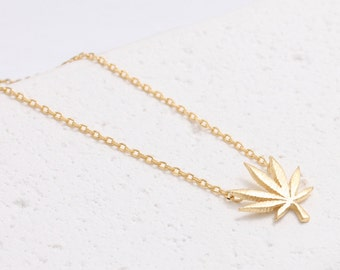Marihuana Maple Weed Pot Leaf Pendant Necklace
