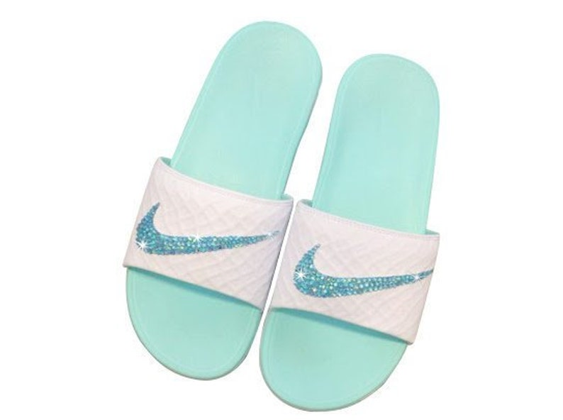 44812eb3893a Women s Nike Slides Benassi Solar Soft Nike Sandals Great