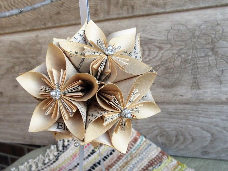 Antiques Origami Kusudama Flower Porcelain Plate W/ Display Stand Decorative Arts