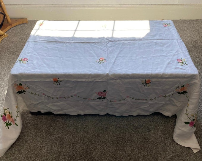 Victorian Tablecloth Silk Work Embroidery 1900 Art Nouveaux Unused Vintage Dowry Linen