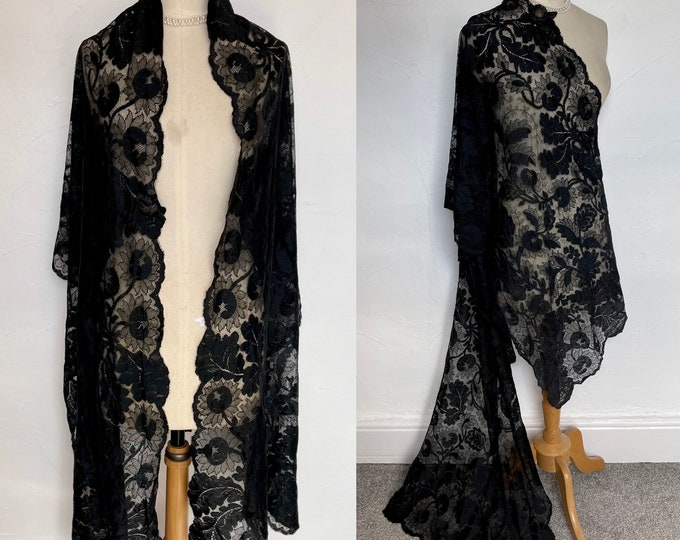 Antique 1920 Mantilla Wrap Stole Black Silk Chantilly Lace Hand Made Heirloom