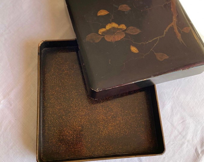 Vintage 1920s Chinoiserie Box Birds Blossom Lacquered Hand Painted Art Deco