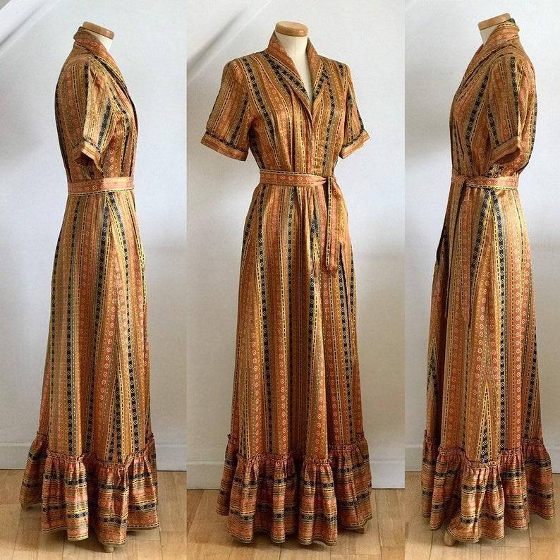 07e20829bae1e Vintage 1940s House Coat   Matching Slippers Peignoir Boudoir
