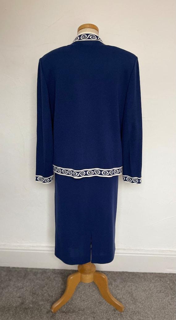 Stunning Ladies Suit Italian Wool Unworn Pristine Stylish Classical Fashion