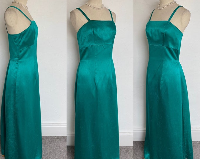 Exquisite Vintage 1950s Vintage Dress Fitted Cocktail Gown Emerald Silk 50s Classical Style