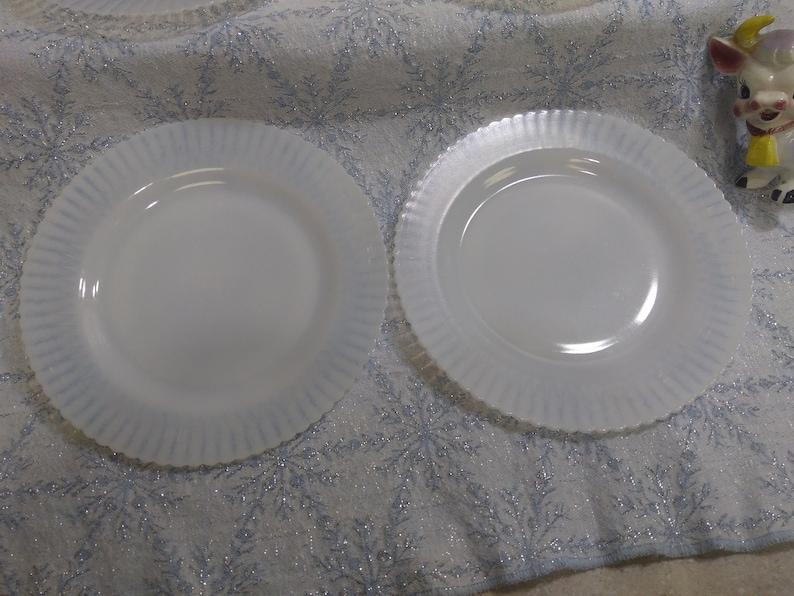 MacBeth-Evans Monax Petalware  Plates ~ Set Of 4 ~ 9 14 Inch Milk Glass White Dinner Plates Ringed Base Depression Glass