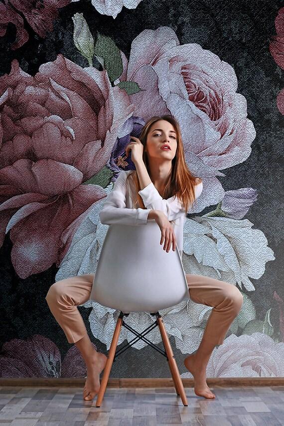 Papier Peint Floral Fleurs Dun Fond Noir Fond Decran Etsy