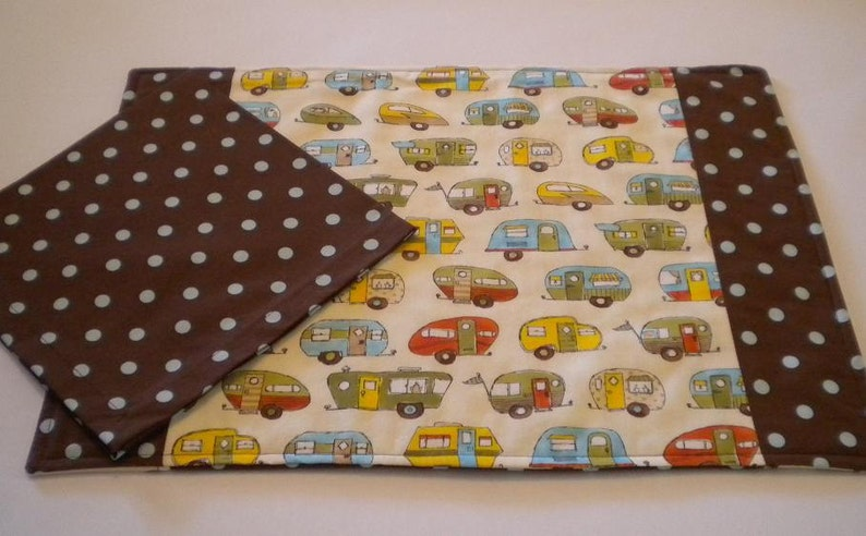 Retro Trailers Reversible Placemat and Polka Dot Napkin