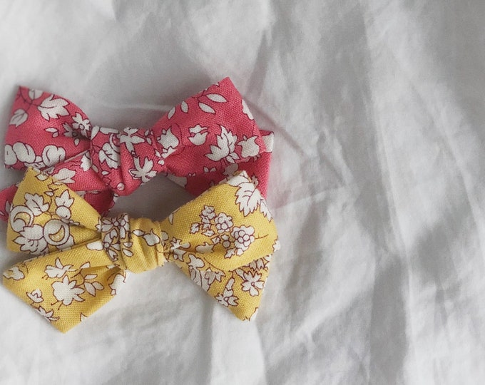 Dandelion>> Liberty of London Orchard Garden MUSTARD // Liberty of London bows // hair bows // school girl bows // hand tied hair bows