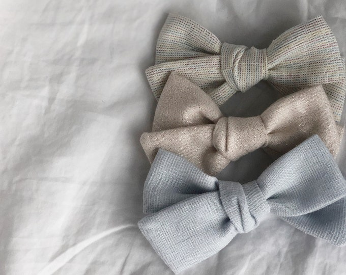 Dandelion>> ICY BLUE // Linen with shimmer // Linen hair bows // shimmer hair bows // school girl bows // hand tied hair bows