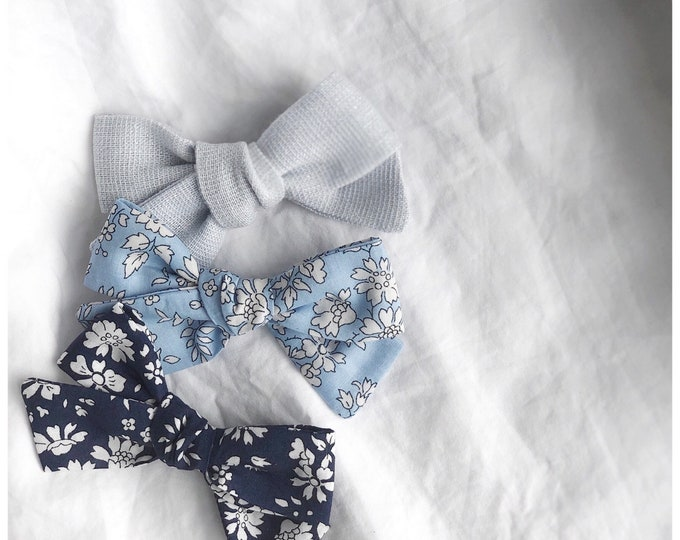 Dandelion>> Liberty of London Capel Navy Blue // floral print bows // Liberty of London hair bows // Liberty of London // Capel Tana Lawn