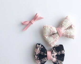 Acacia>> spring chanel style tweed bow with light pink faux leather detail