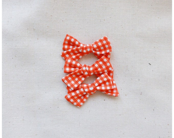 Dandelion>> orange gingham hair bows // fall hair bows // fabric bow // modern hair bow // simple hair bow // newborn headbands