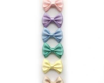 Magnolia>> MINI size // pastel Japanese satin hair bows // satin bows // mini hair bow // newborn headbands