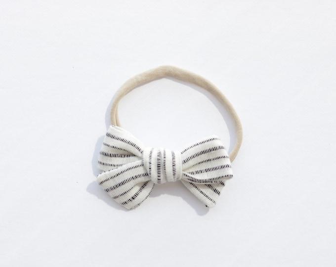 Dandelion>> BLACK STRIPES // striped hair bows // summer hair bows //  school girl bows // hand tied hair bows