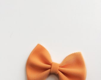 Daffodil>> Orange grosgrain hair bow // orange pumpkin fall colour bows // fall hair bows // pumpkin patch hair bows // Made in Japan //