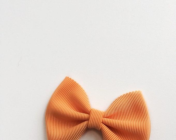 Daffodil>> Orange grosgrain hair bow // orange pumpkin fall colour bows // fall hair bows // pumpkin patch hair bows // Made in Japan //