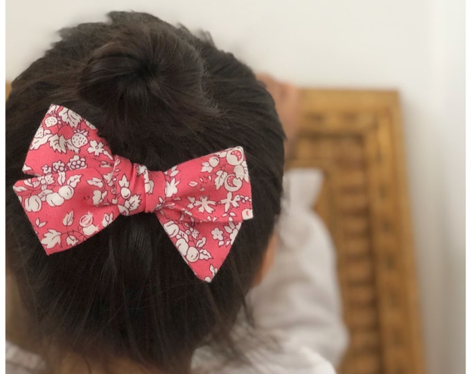 Dandelion>> Liberty of London Orchard Garden PINK // Liberty of London bows // hair bows //  school girl bows // hand tied hair bows
