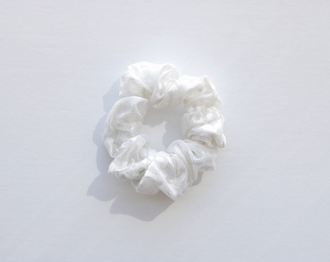 White leopard mesh scrunchies / mesh scrunchies / summer scrunchies / white scrunchies / fun scrunchies / scrunchies