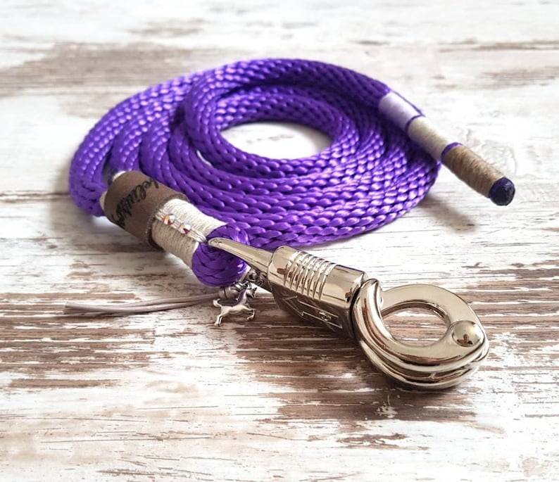 Pippa Purple Hipster Horse Leadership Strick