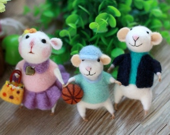 Wool Felting Craft Needle Felt Kit - Stuart Little