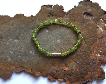 Peridot bracelet with 925 silver elements