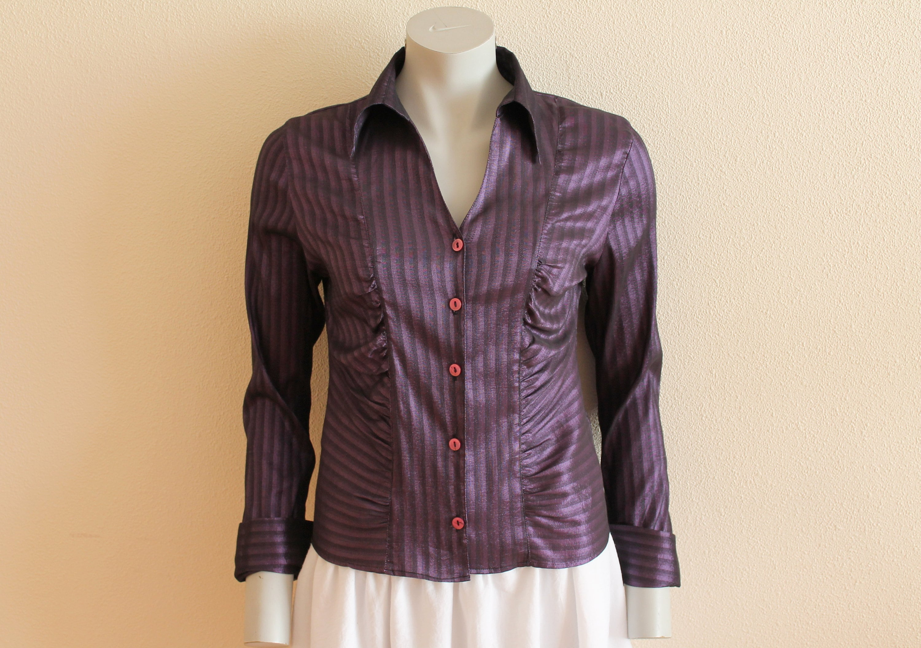 56a9f352 Womens Fitted Button Up Shirts - DREAMWORKS