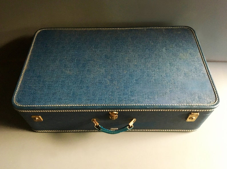 For Luggage Display or Photo Prop Vintage Mid Century 1950/'s Midnight Blue American Tourister GIGANTIC Hard Shell Retro Suitcase 30 W