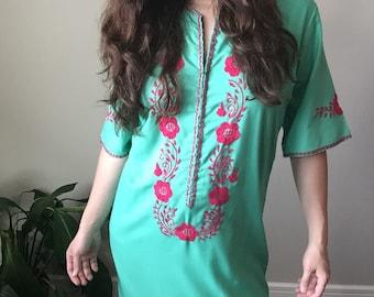 vintage embroidered maxi dress - womens mexican dress - vintage mumu - boho - hippie - festival - beach - long dress