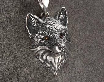 3ecd4322c845b Silver fox pendant | Etsy