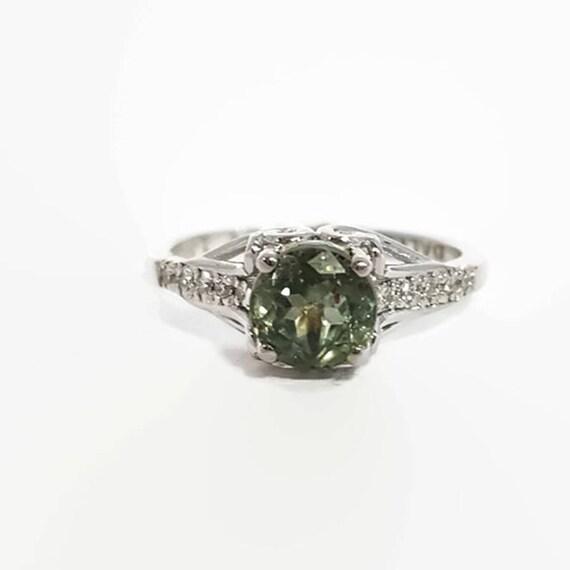 Zielony Szafirowy Pierścionek Biały Szafir Pasjans Szafir Pierścionek Zaręczynowy Diamond Sapphire Wrzesień Birthstone Inspirujący Prezent