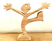 joyeux, sculpture bois chantournée