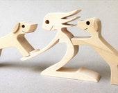 une femme deux labradors ; sculpture bois chantourné