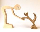 un homme et son chat sculpture bois chantournée