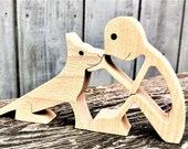 un homme un chien assis ; sculpture en bois original 2virgule5d