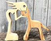 une femme un chien version 5 ; sculpture bois