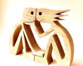 une femme un homme ; sculpture bois