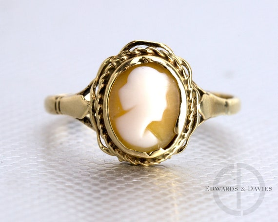 Vintage Gold Cameo Ring | Cameo Cocktail Ring | Ov