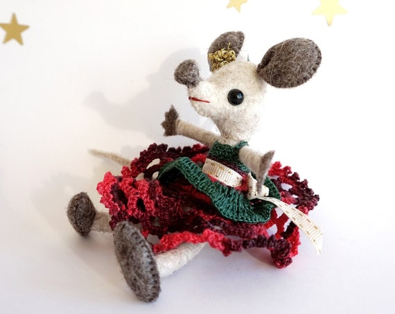 Christmas Mouse, mouse figurine, mini dolls