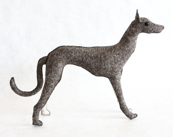 Galgo Escultura, muñeco hecho a mano con fieltro de lana