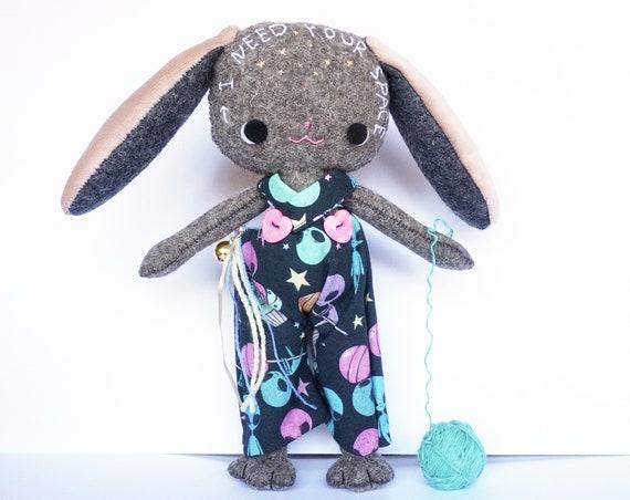 Perro Peluche Cósmico, muñeco kawaii hecho a mano