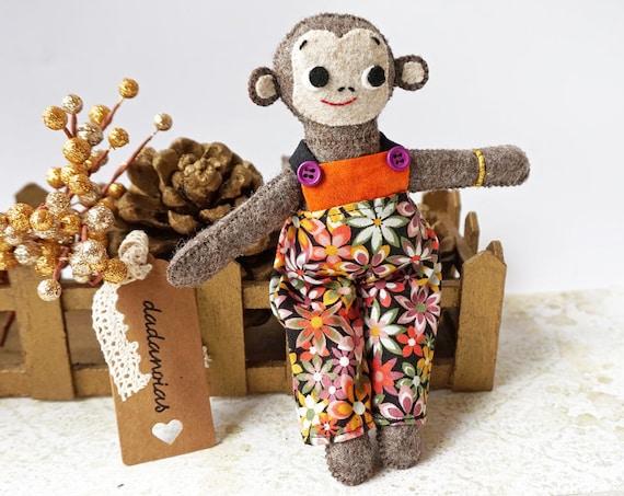 Mono dadá, juguete hecho a mano
