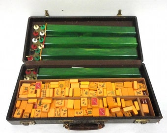 Vintage Bakelite MAHJONG Game Set With Aligator Style Case Butterscotch and Green *****1920's-1930's******  Tons of Bakelite RARE