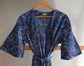 16c286eda5e1 Vintage retro 50s 60s blue purple floral dressing gown robe bathrobe  nightwear housecoat jacket small medium