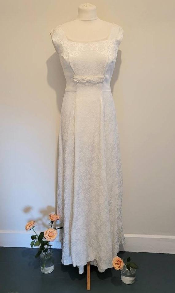 kangaroo pockets XS wedding reception dress 50s white dress Vintage 1950s cream brocade wiggle dress with off the shoulder straps